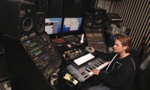 Dana_Kamide_studio_Veit_renn