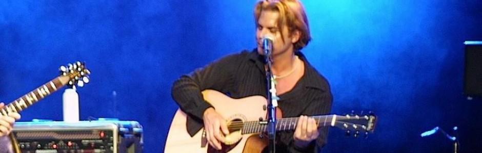 Dana performing unplugged with Rico Monoco in Orlando, FL